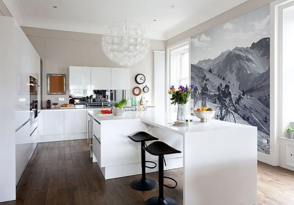 Можно создать красивую акцентную стену на кухне, используя фотообои