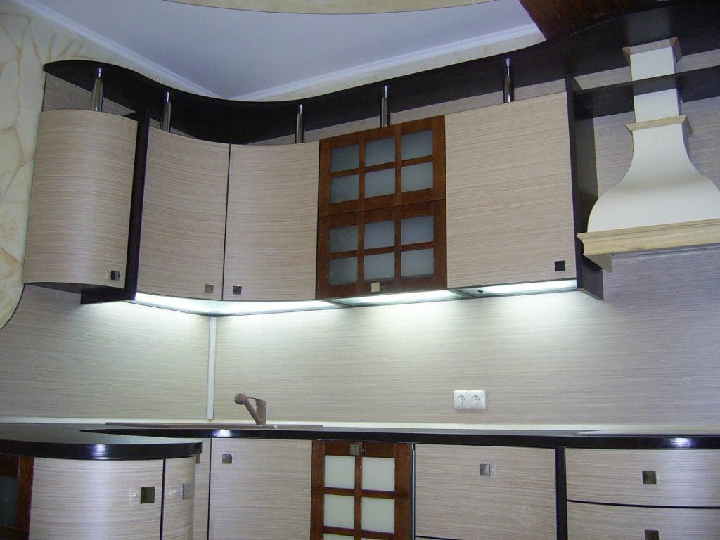 Дизайнерская мебель, хороший ремонт - залог идеальной кухни