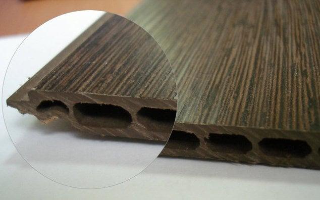 Основой такого покрытия является древесноволокнистая плита большой прочности
