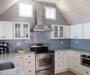 Основными требованиями к настенной плитке является простота в уходе и устойчивость к повышенной влаге