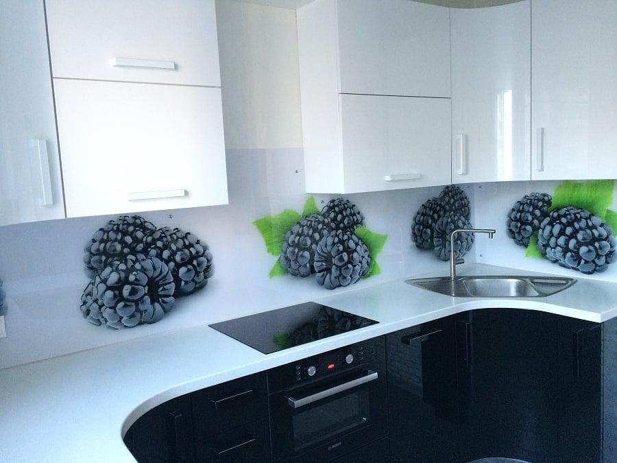 Многообразие рисунков позволяет дополнить интерьер кухни, делая его более привлекательным