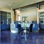 Наливной пол на кухне: разновидности, преимущества, монтаж