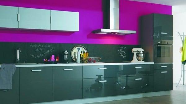 Вариант оформления яркой кухни