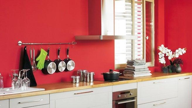 Оригинальный и стильный интерьер помогут создать яркие краски