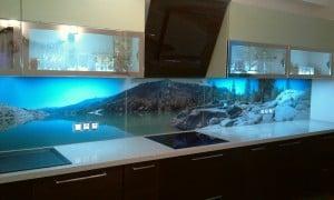 Вариант фотопечати на стене с применением подсветки