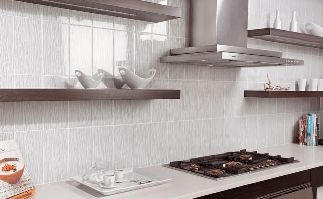 Вариант оформления кухни в светлых тонах