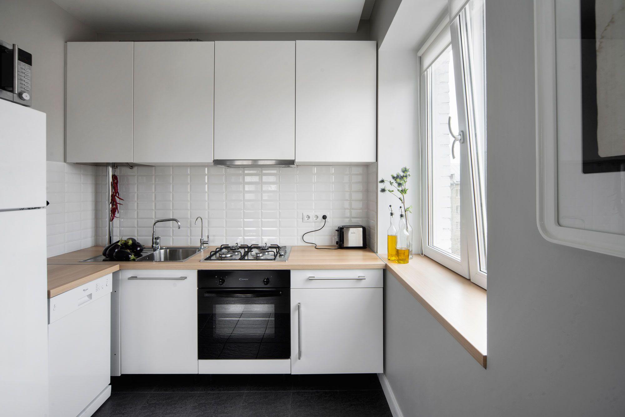 Белые маленькие кухни в интерьере реальные фото