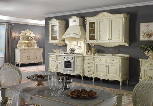 Мебель для стиля барокко лучше выбирать из натурального дерева
