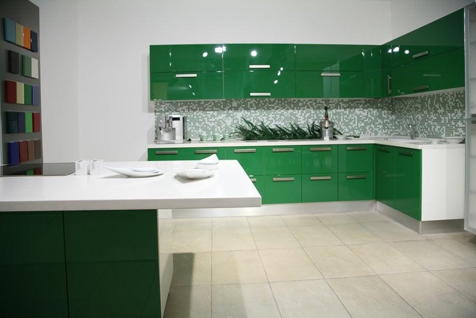 Зеленый- это цвет возрождения и он способен освежить любую комнату