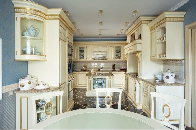Декоративные элементы в оформлении кухни в таком стиле