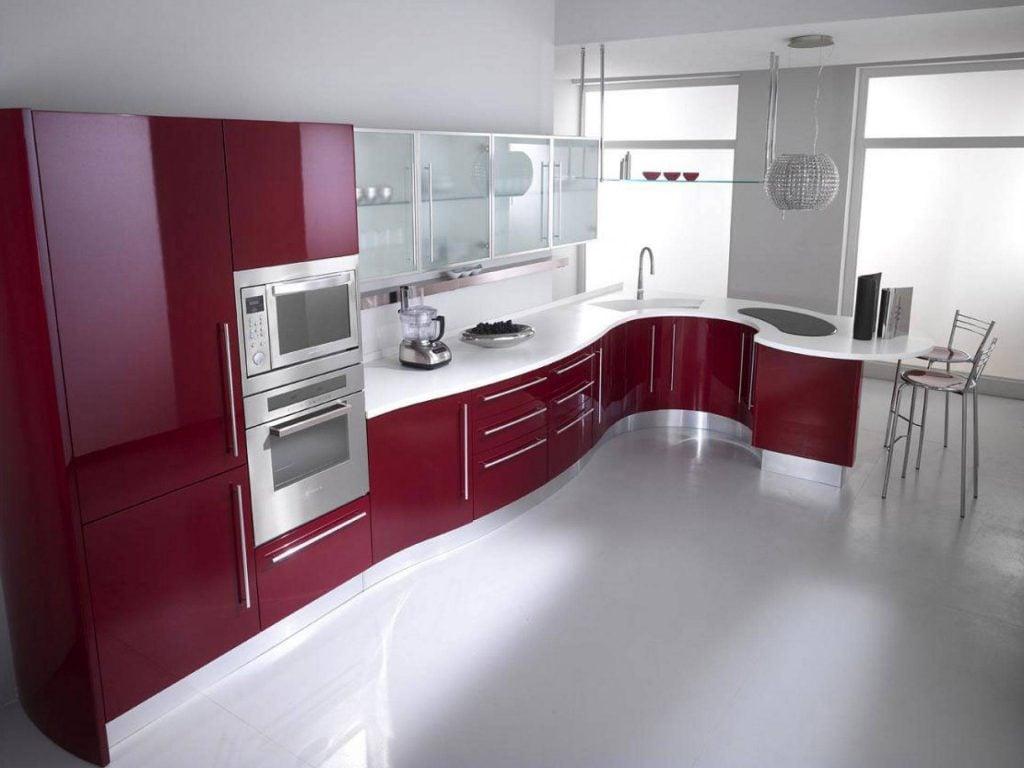 Вариант оформления кухни в бордовом цвете