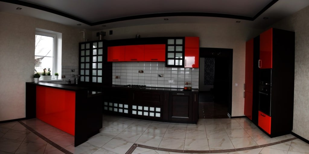 Кухня в таком стиле требует соблюдения баланса и равновесия всех деталей интерьера