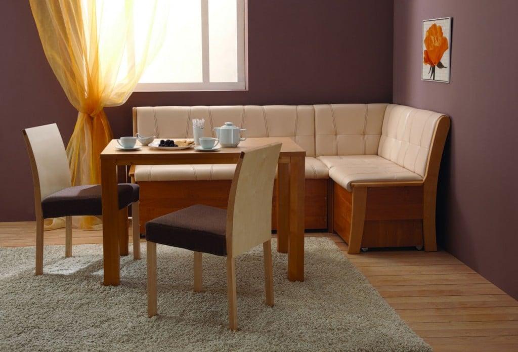 Решившись поставить тканевый диван на кухню позаботьтесь об эффективной работе вытяжки чтобы обивка не засаливалась