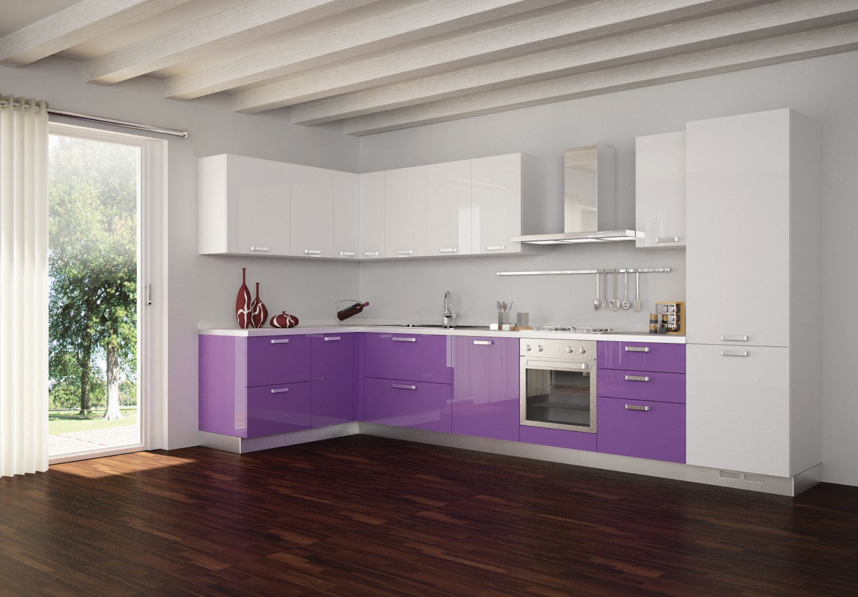 Солнечная кухня в бело-фиолетовой гамме