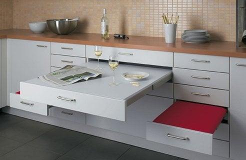 Мебель трансформер также будет весьма кстати на небольшой кухне
