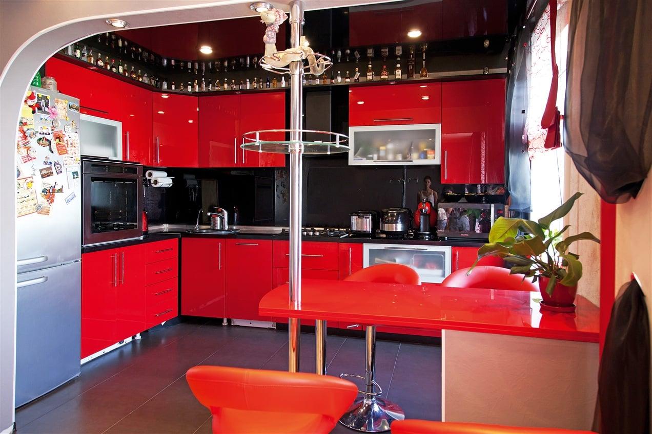 Кухня дизайн фото интерьер красная