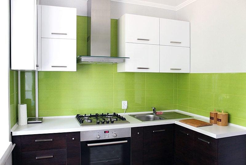 Подобрав интересный кухонный гарнитур можно создать современный и уютный интерьер