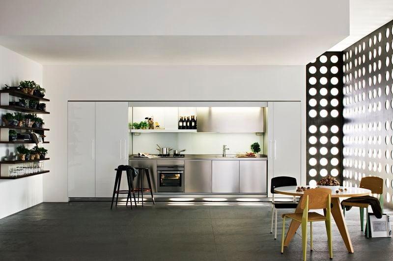 Кухня по всем правилам восточного учения должна быть не загромождена мебелью