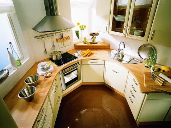 Основной уклон на такой кухне следует делать на правильную расстановку мебели