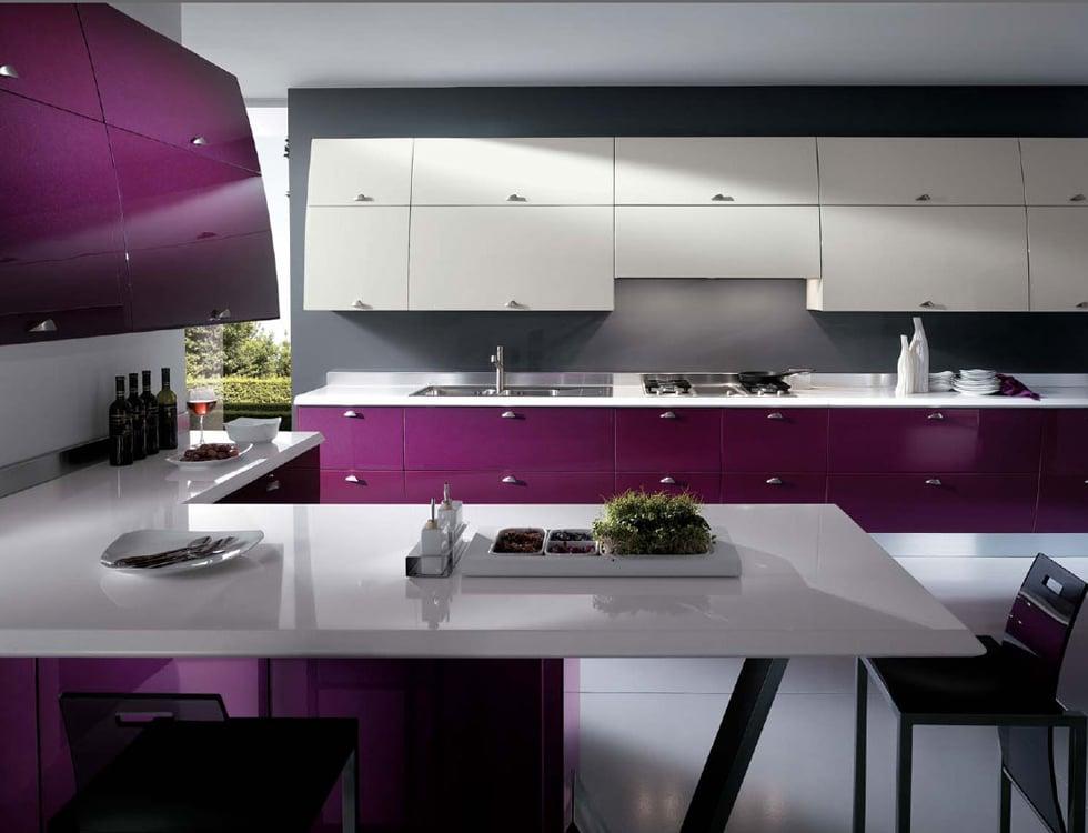 Вариант оформления кухни в контрастных цветах