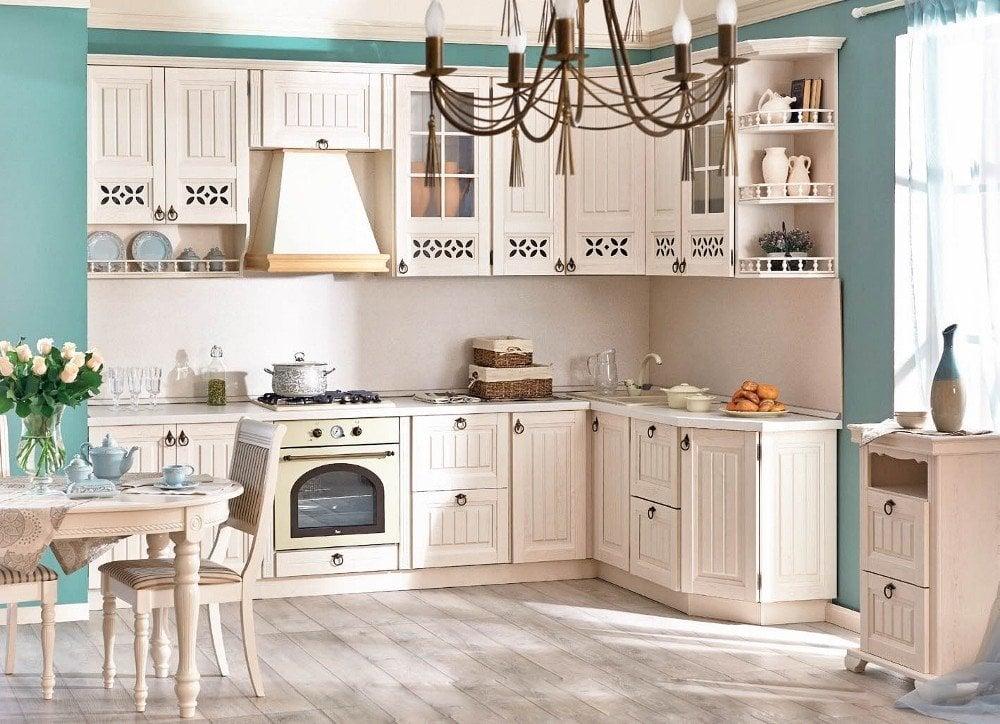 Цветовое решение для оформления кухни лучше выбирать исходя из размеров помещения, ведь главная задача стиля создать домашний уют