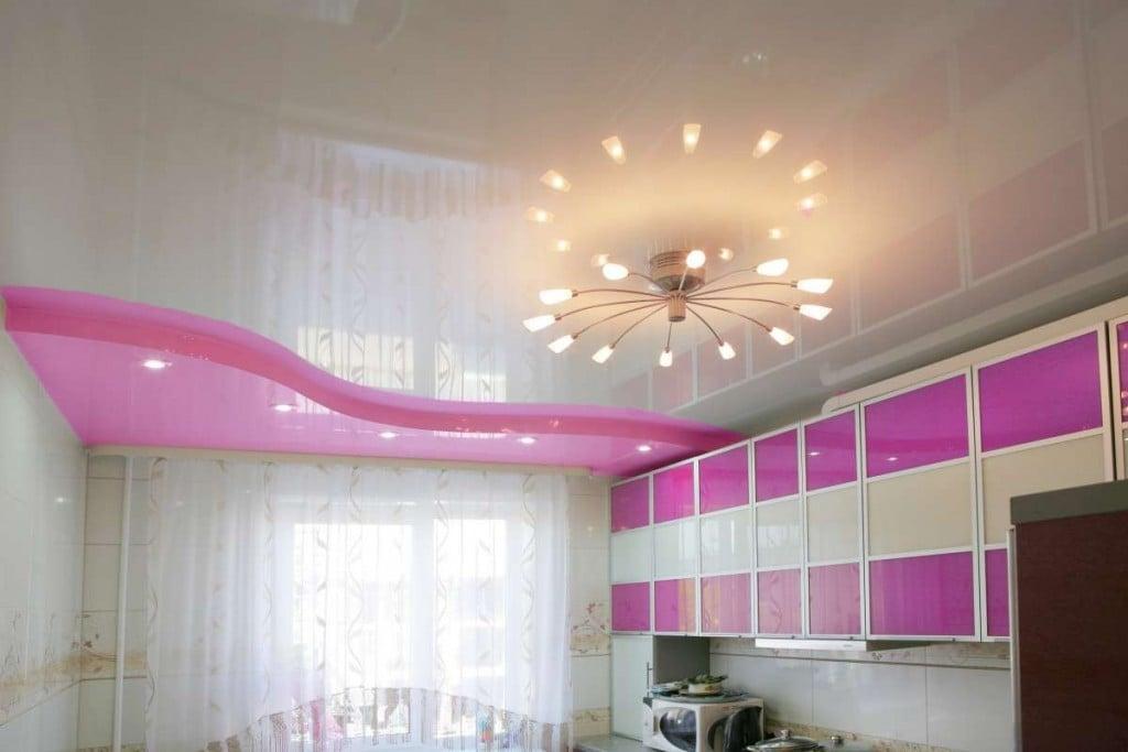 Отзывы говорят о том что из современных материалов вполне возможно изготовить качественный и современный потолок