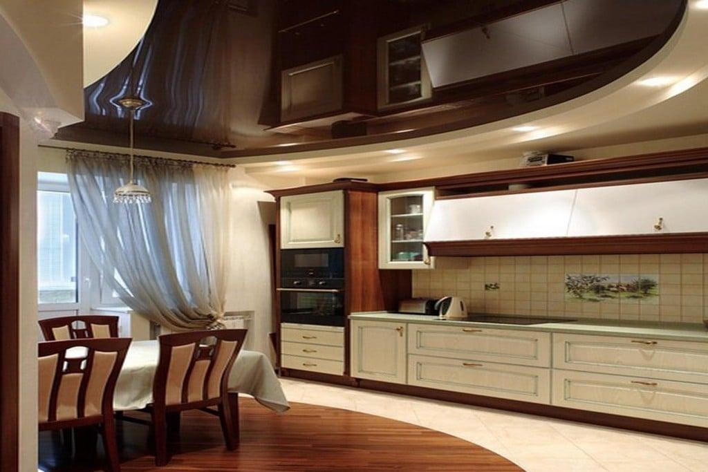 Такие потолки предоставляют полную свободу дизайнерским идеям и позволяют устанавливать всевозможные встроенные светильники
