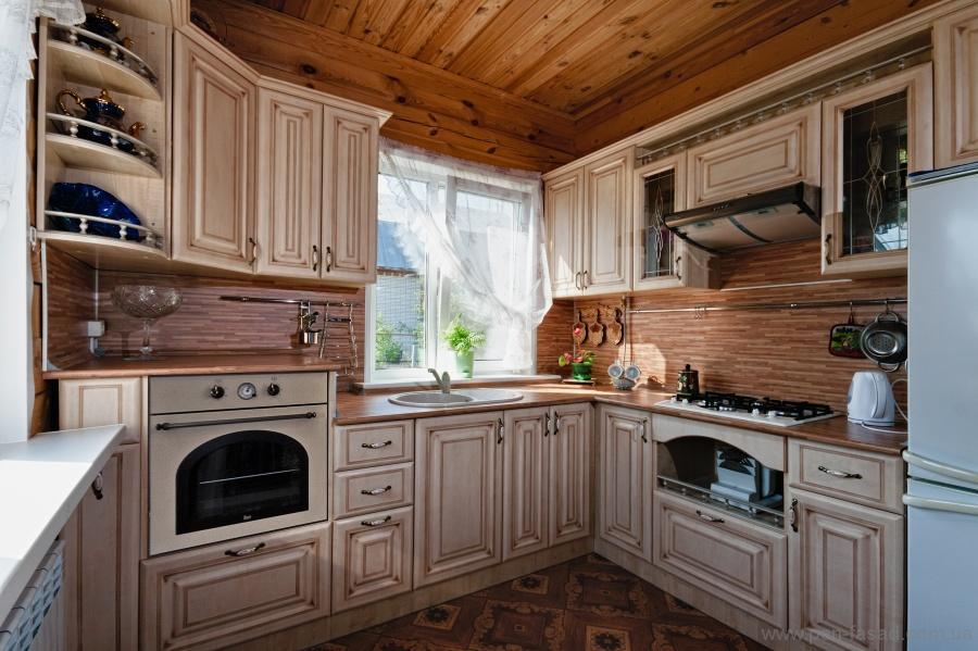 Интересные варианты классической кухни с патиной  - способы патенирования
