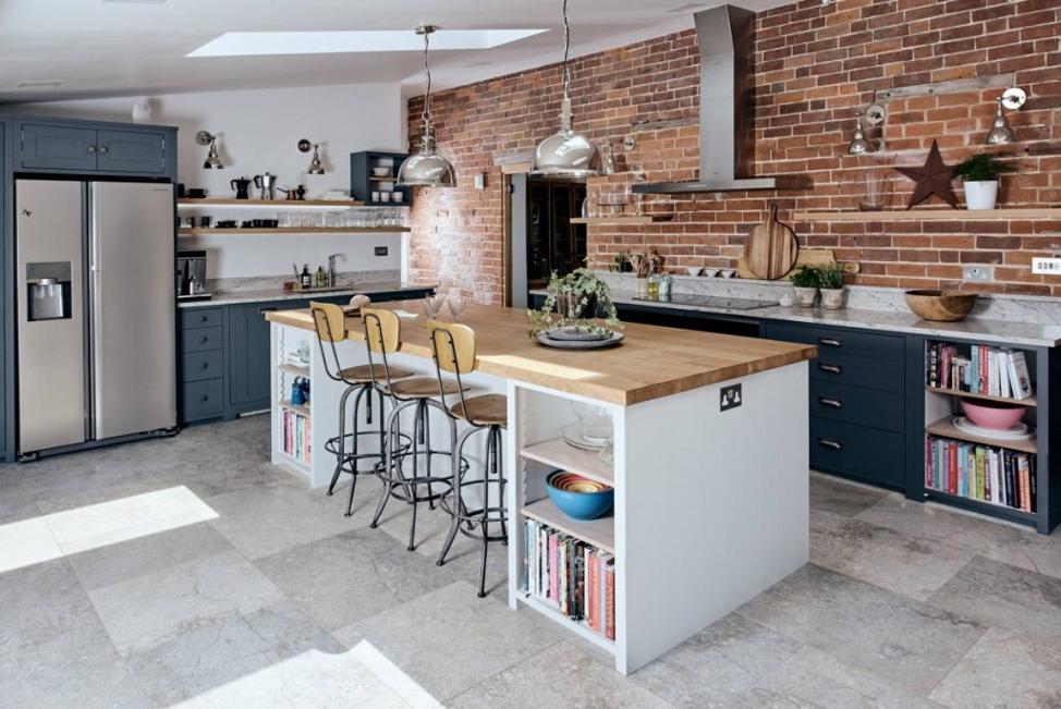 Кухонный остров на кухне в стиле лофт
