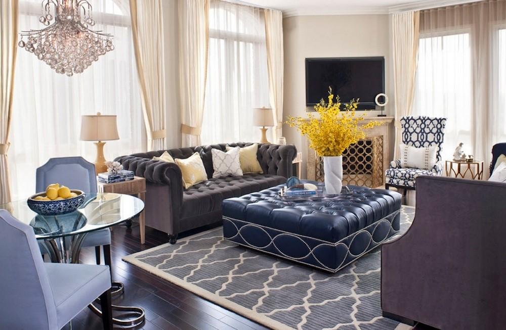 Бархатная обивка разных оттенков используется для мебели.