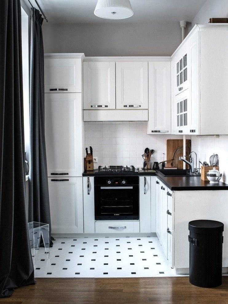 Классический стиль отделки с черным и белым сочетанием цветов часто используется