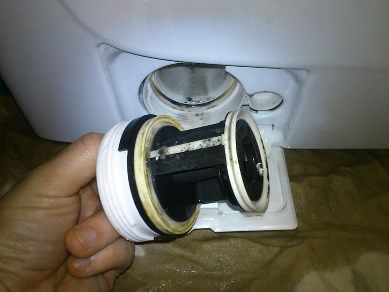 Фильтрующие устройства устанавливаются, чтобы меньше мусора выходило в канализацию