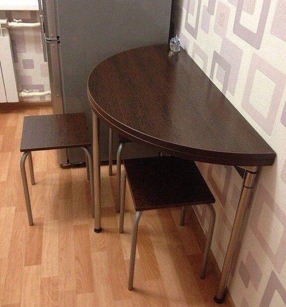 Раскладной стол лучшее решение для малогабаритной кухни