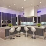 Различные виды подсветки в кухне: потолочное, рабочее и декоративное