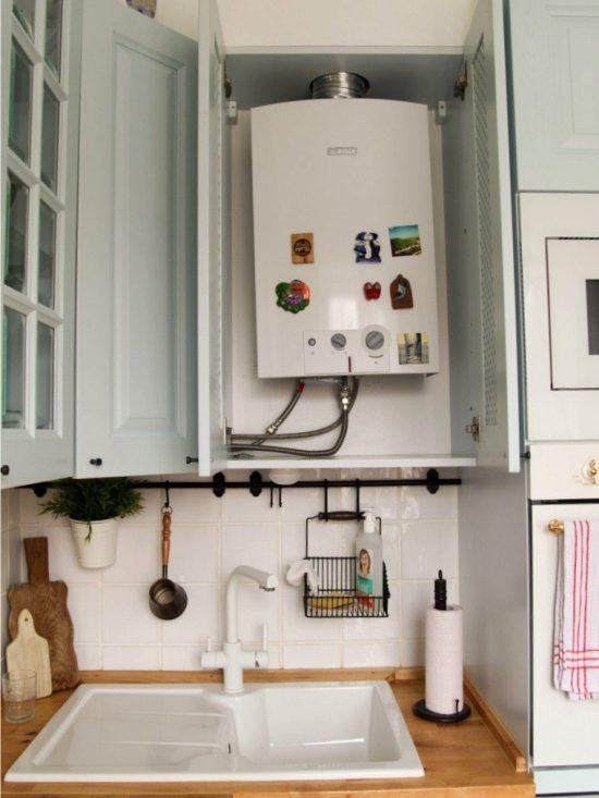 Газовая колонка в подвесном шкафу