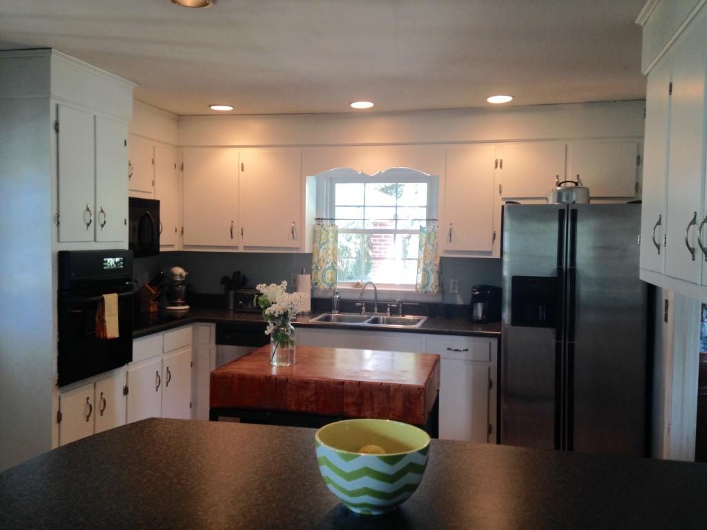 Встроенное освещение на мини-кухне