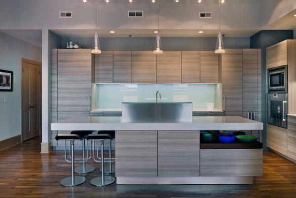 Многоуровневое освещение в интерьере кухни