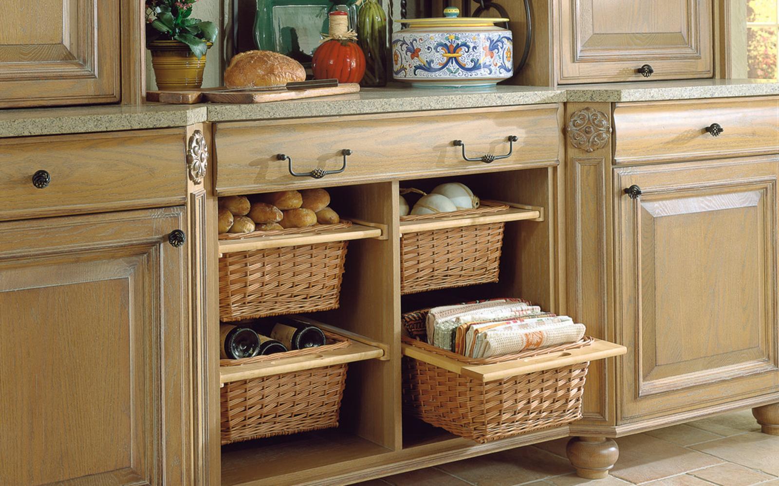 Плетеные корзины в кухонном интерьере