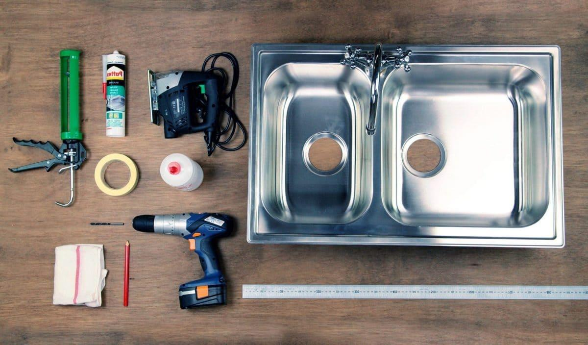 Набор инструментов для монтажа мойки