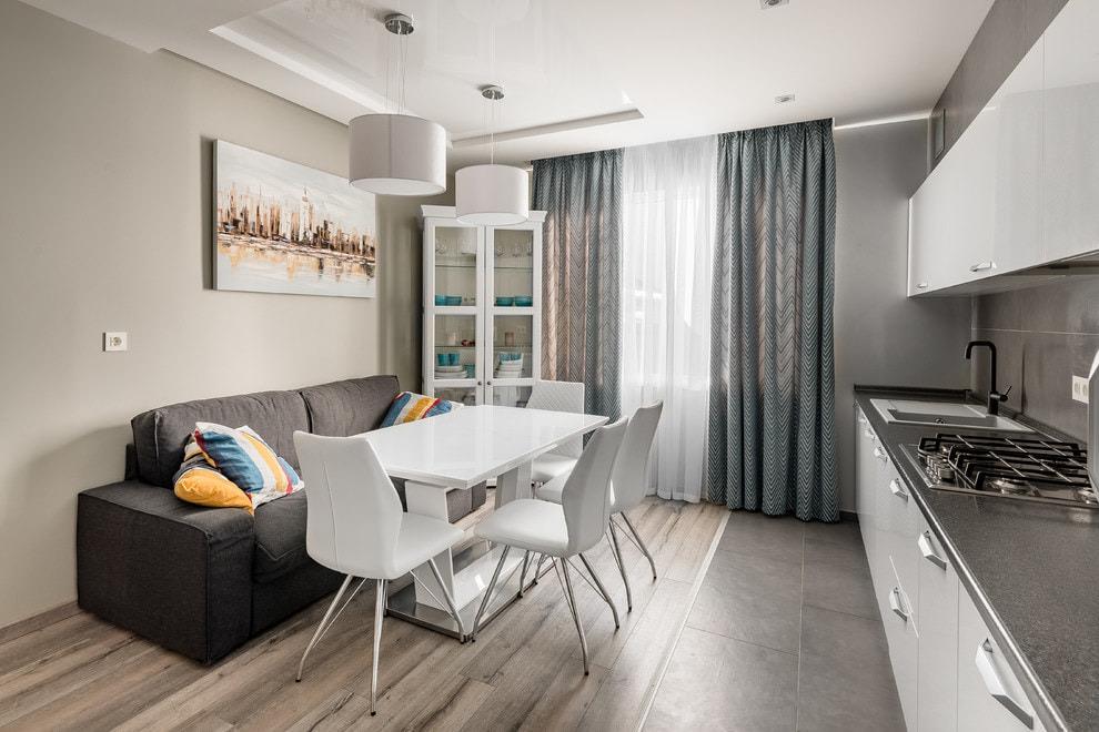 Идеи дизайна и интерьера кухни с диваном с разной планировкой