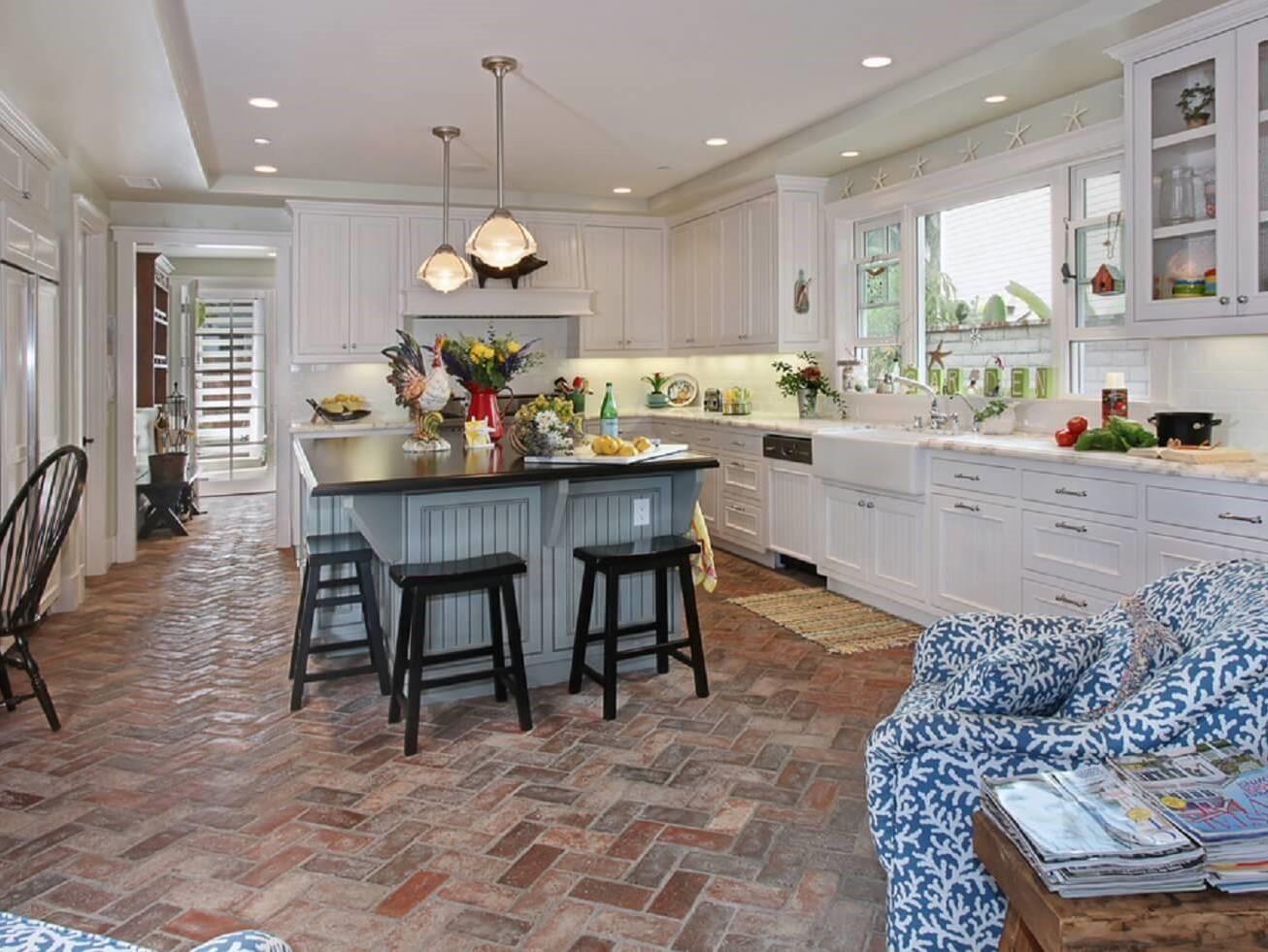 Интерьер кухни в средиземноморском стиле - воздушный дизайн в квартире
