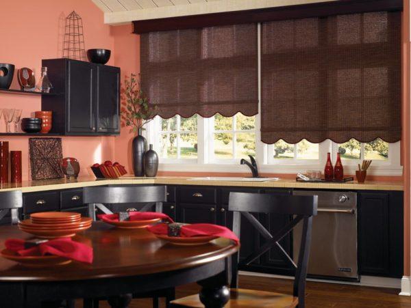 Какие рулонные шторы лучше выбрать на кухню