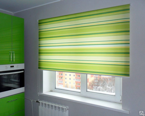 Какие жалюзи для кухни выбрать вместо штор и как оформить кухонное окно