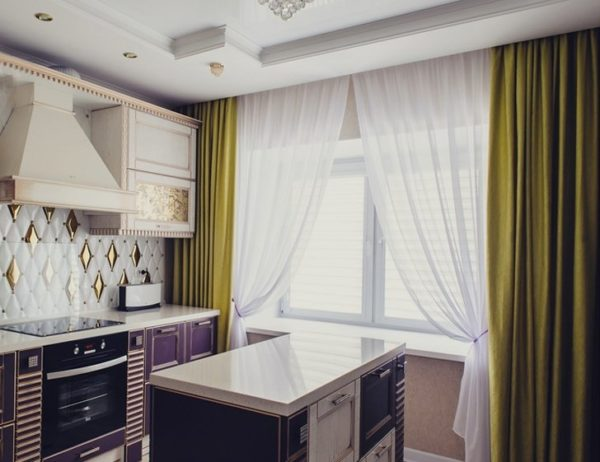 Дизайн длинных штор на кухню - оформление красивых занавесок в пол