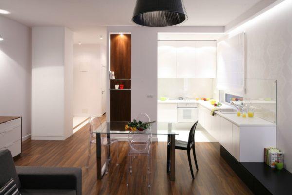 Кухонный гарнитур в нише в кухне - студии