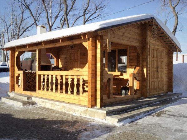 Баня с кухней из дерева
