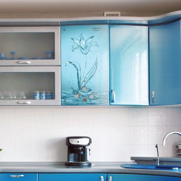 Дизайн маленькой кухни с газовой колонкой - варианты интерьера и маскировки труб