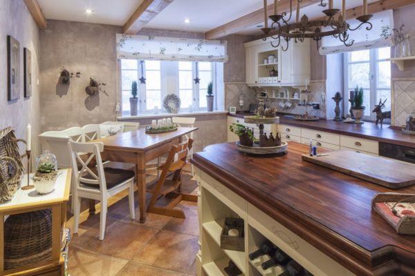 Стиль кантри в кухни-столовой