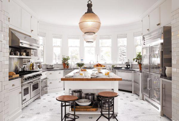 Варианты дизайна и планировок кухни в эркере - особенности оформления окна