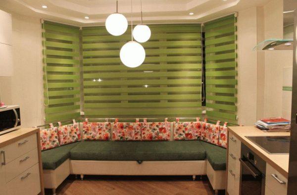 Оформление дизайна кухни в доме серии П-44Т - формы и вида эркеров